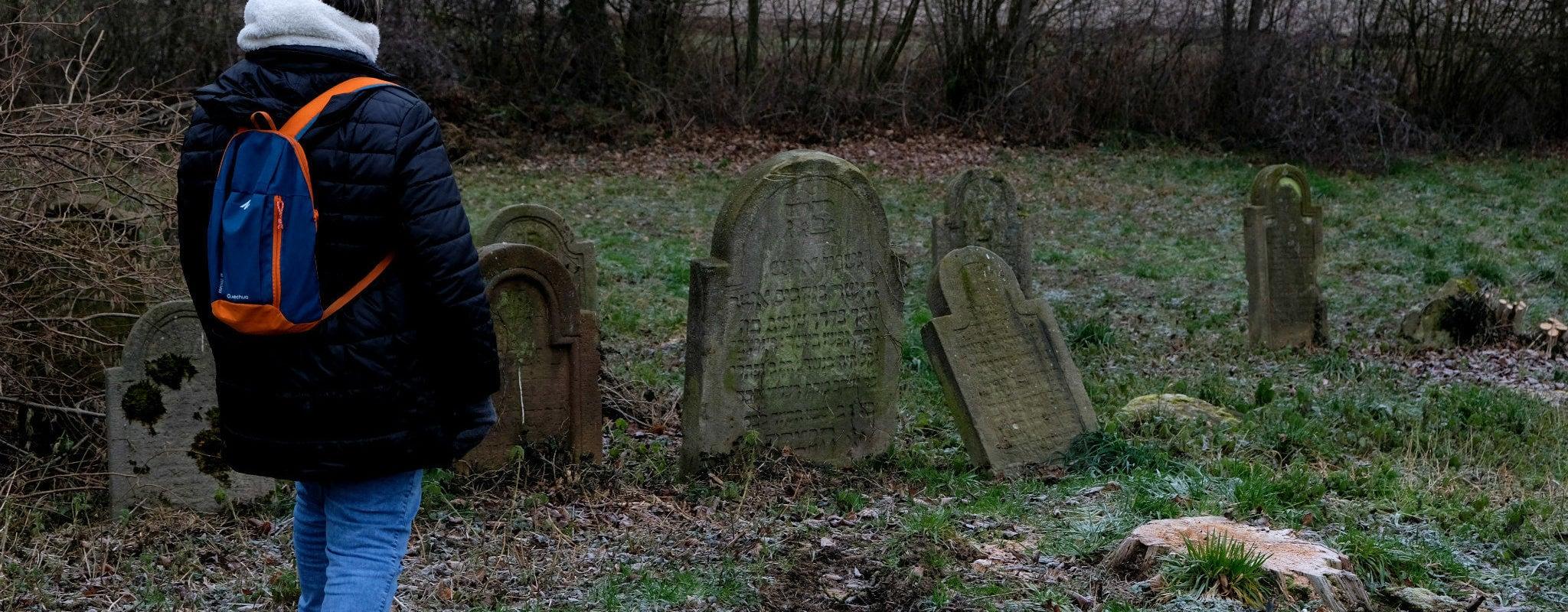 «C'est triste de devoir surveiller un cimetière»