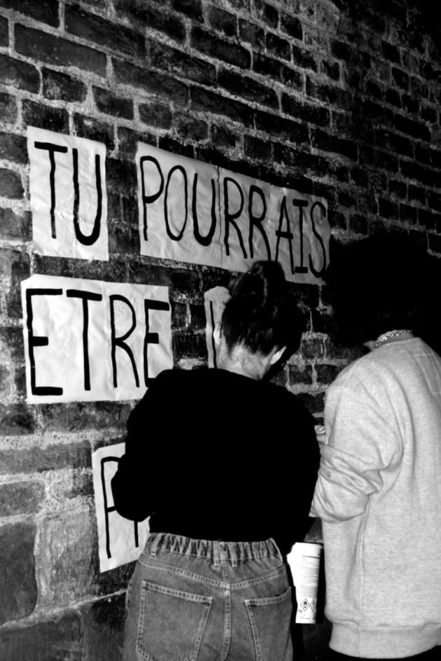 Avec les « Colleuses » de Strasbourg : « On se sent plus fortes dans la rue »
