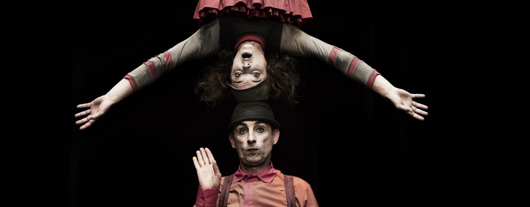 Les clowns virtuoses virevoltent à l'Espace K
