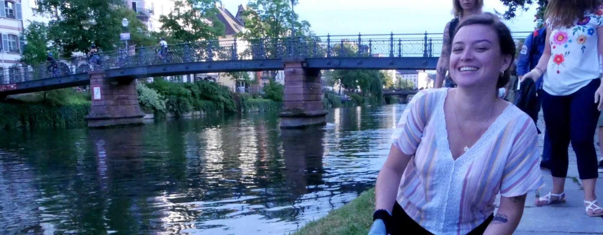 Des dizaines de nettoyeurs bénévoles dans les rues de Strasbourg, motivés par les Cleanwalks