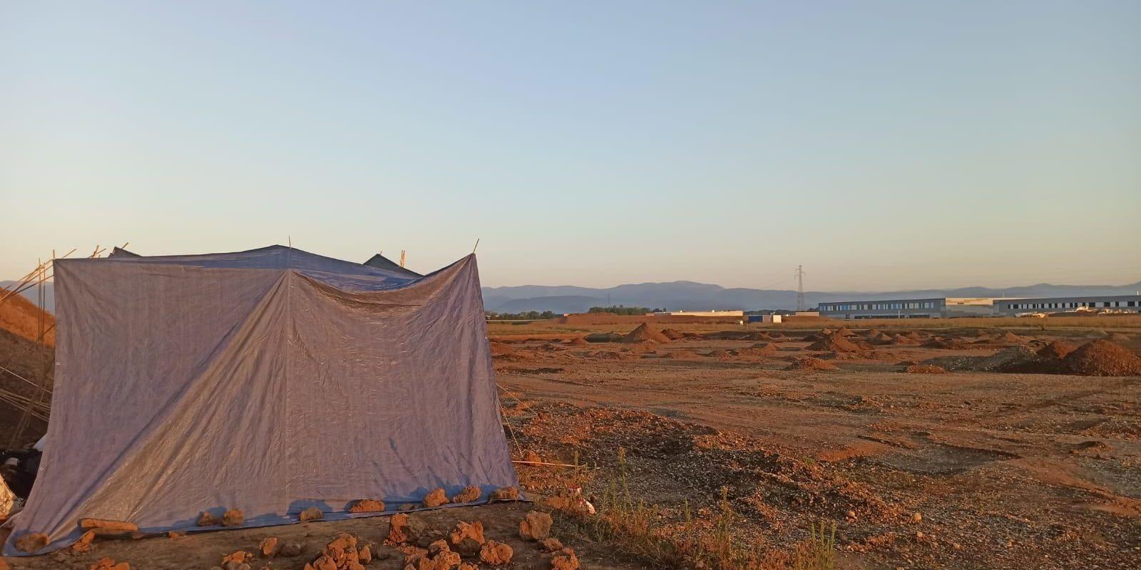 Des militants écologistes ont occupé le terrain destiné à l'entrepôt type-Amazon à Ensisheim