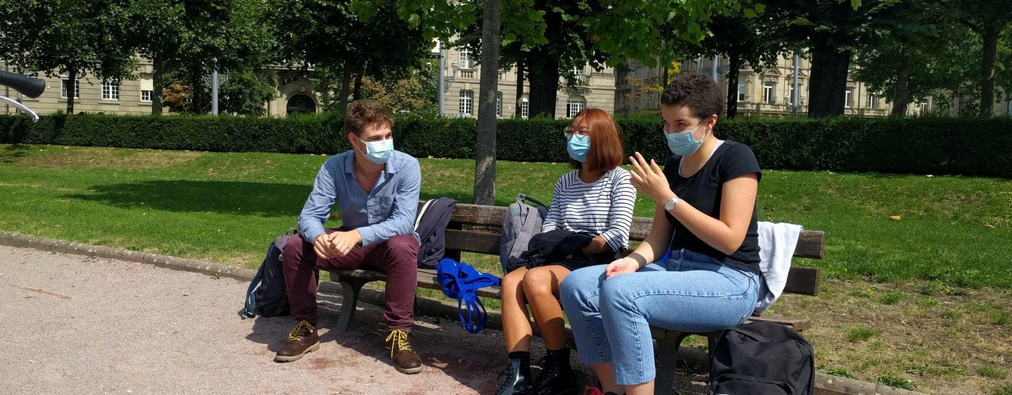 L'arrêté exigeant les masques à l'extérieur attaqué en justice