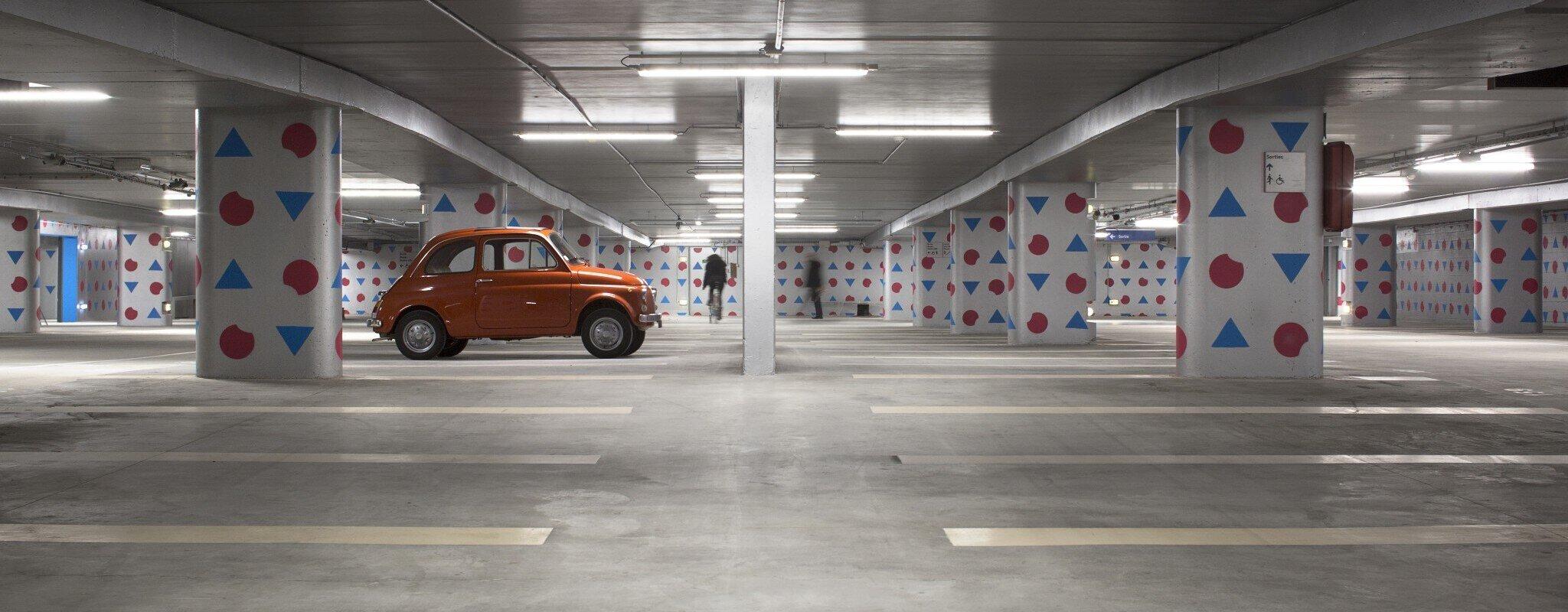 Avec de l'art aux murs et des trottinettes, les parkings de Parcus se modernisent