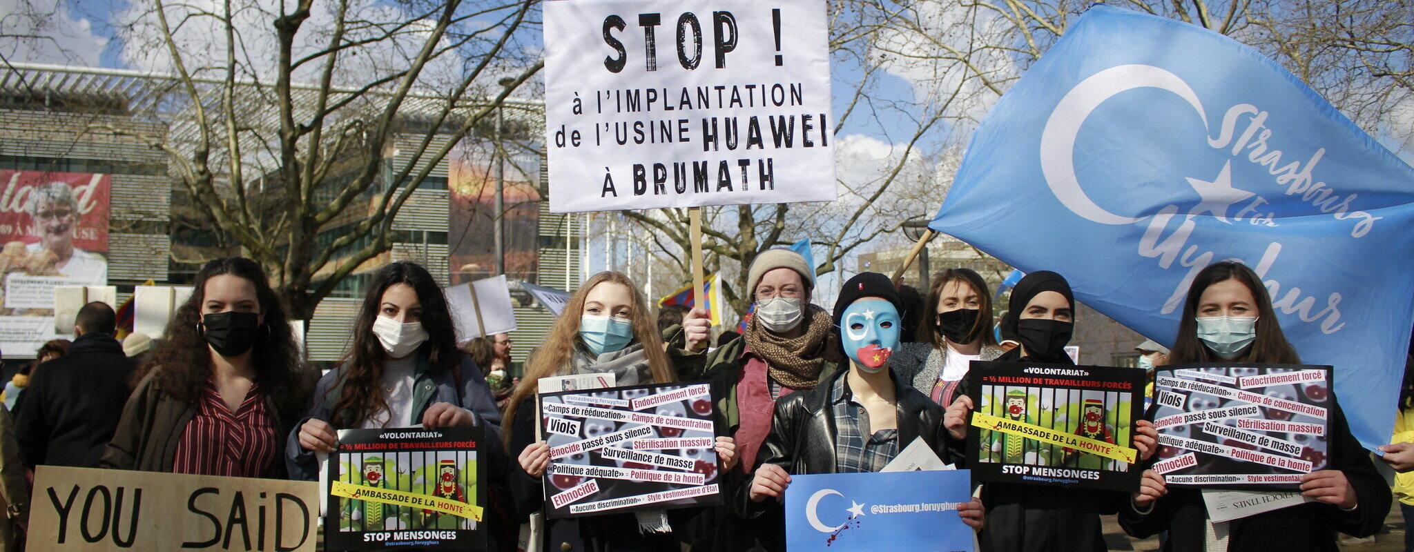 La Région Grand Est interpellée par des manifestants chinois sur l'arrivée de Huawei