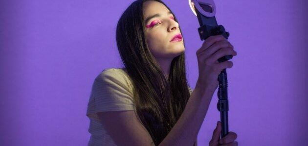 _jeanne_dark_ : théâtre intimiste et narcissique de la génération Instagram