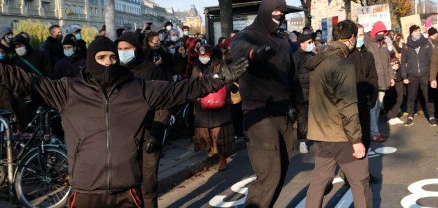 Toujours aucune poursuite contre les néonazis auteurs de violences en manifestation