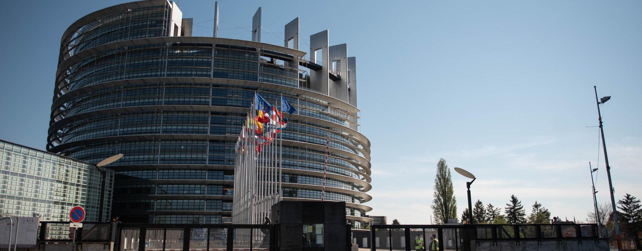À Strasbourg, une poignée d'élus garde en fonction le Parlement européen lors des sessions