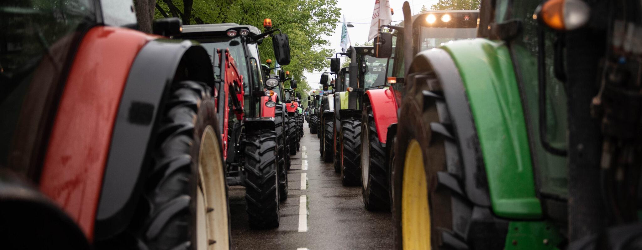 Contre la réforme de la PAC, plus de 1500 tracteurs dans les rues de Strasbourg