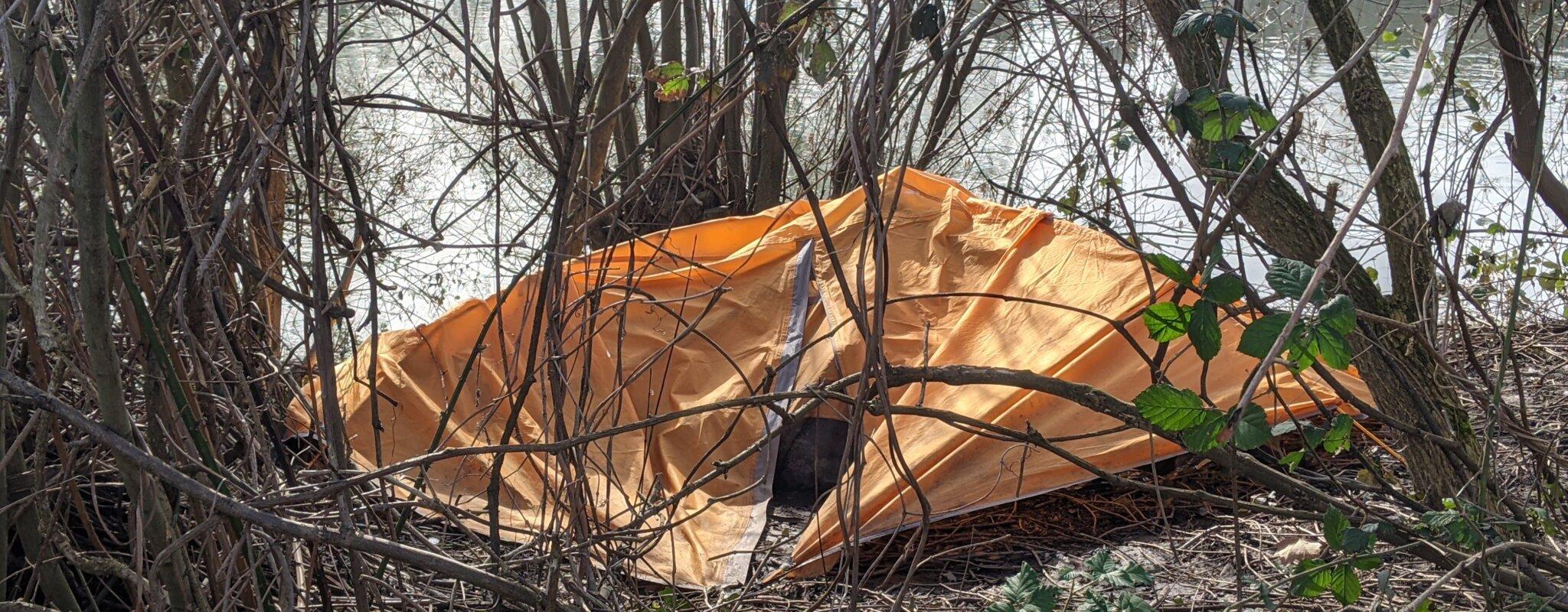Des associations déplorent un manque d'hébergement, de toilettes et de lieux de répitpour les sans-abri
