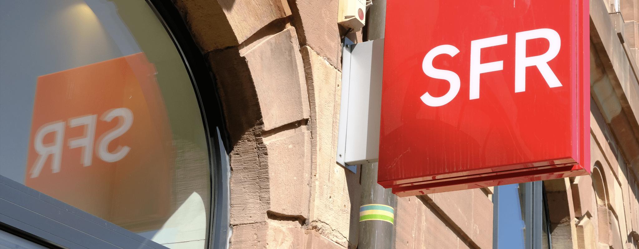 Assurances et services forcés, les pratiques de la boutique SFR de la place Kléber dénoncées