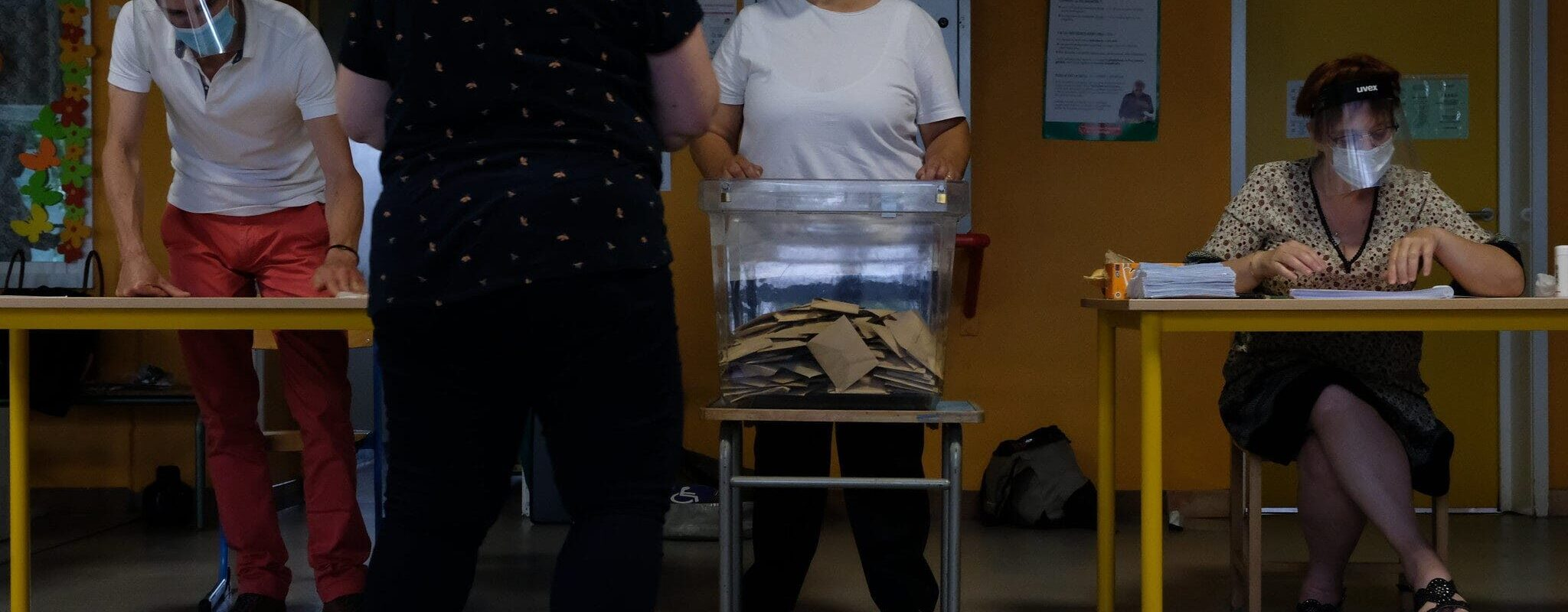 Coup de poing et bulletins manquants: un jour de vote sous tension à l'Elsau et Montagne Verte