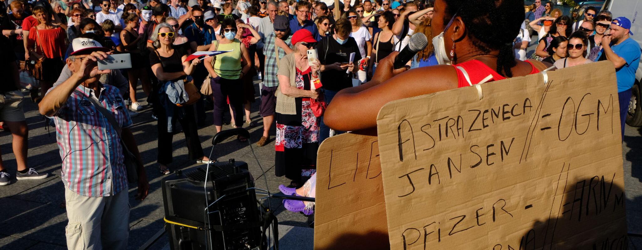 Manifestation anti-pass sanitaire: une fédération de toutes les colères