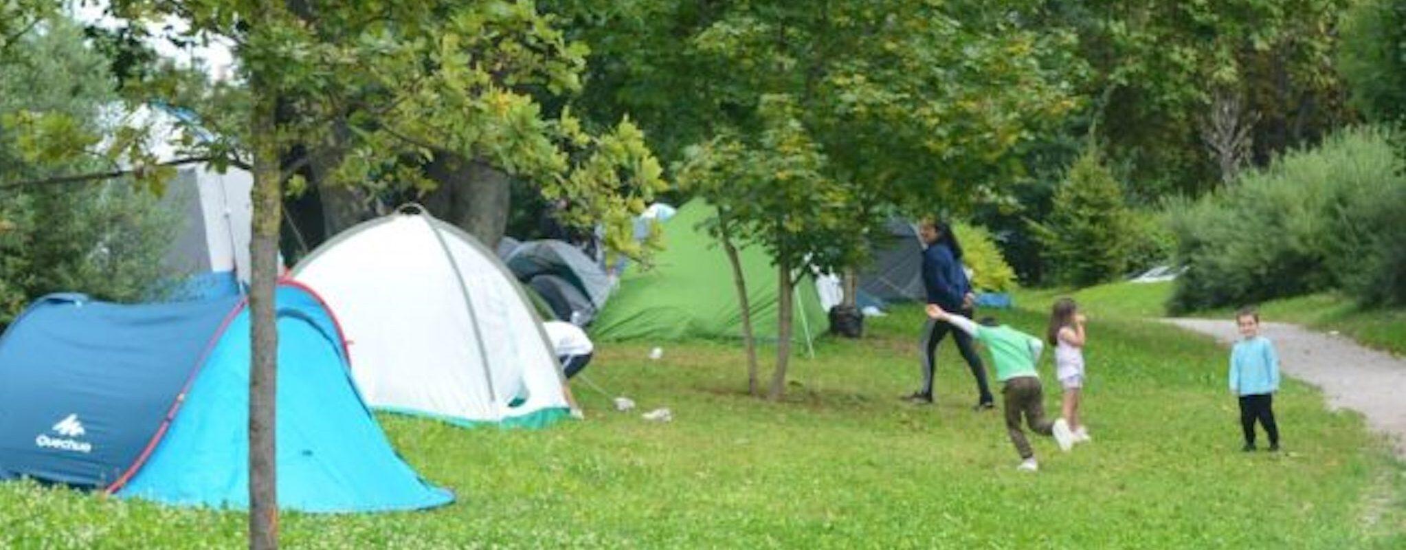 Les riverains du camp de Montagne Verte choqués par l'abandon des réfugiés